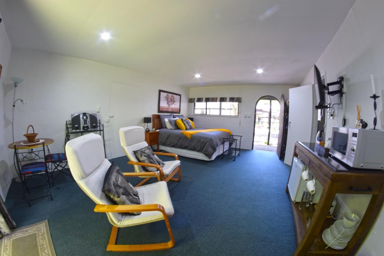 Elephant Room Book Accommodation Online Stratford Taranaki Te PoPo